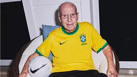 Zagallo usou conta no Instagram para reclamar de brasileiros que torcem para a Argentina