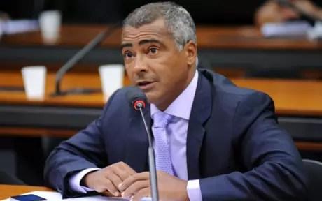 Romário fez duras críticas à CBF e cartolas da entidade (Divulgação)