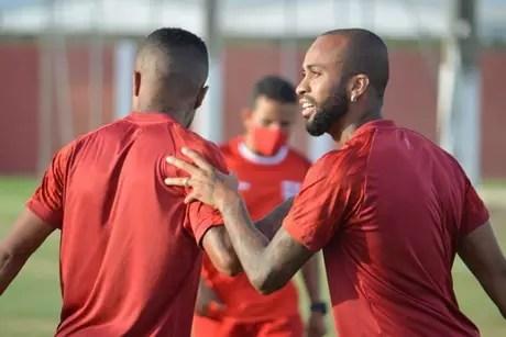 Wesley vive boa fase na disputa do Brasileirão Série B pelo CRB (Foto: Divulgação/CRB)