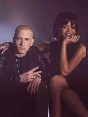 Rihanna fez uma participação na faixa 'The Monster', de Eminem Foto: Facebook/Reprodução