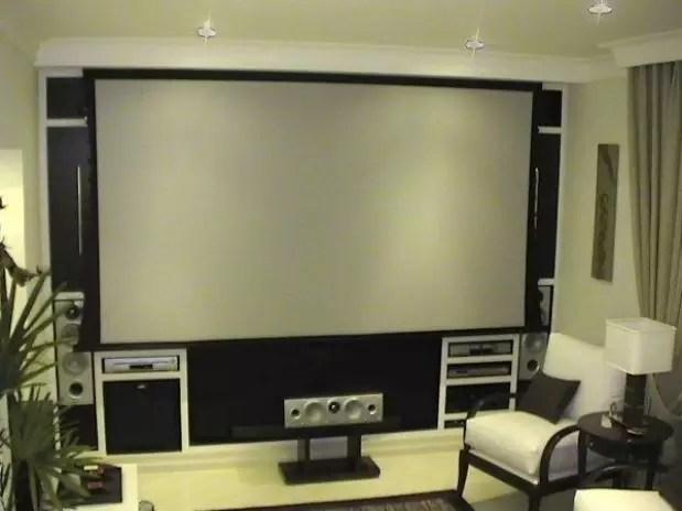 Veja dicas para transformar sua sala em um cinema