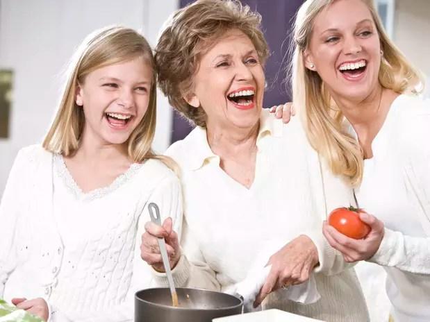 Com menos acesso à informação e pesquisas, as avós apostavam em alimentos naturais que, segundo Marcia Kedouk, são a chave para uma vida mais saudável Foto: Getty Images