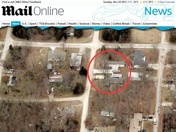 Reprodução do The Daily Mail mostra terreno onde vive Louise Harrison, de 82 anos Foto: The Daily Mail / Reprodução