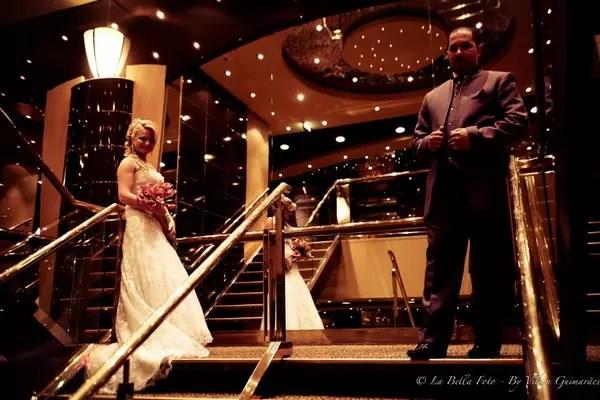 Miriam Damares e Guilherme Ribeiro Gomens se casaram em 2012 em cruzeiro no Brasil. Eles convidaram 70 pessoas para a cerimônia