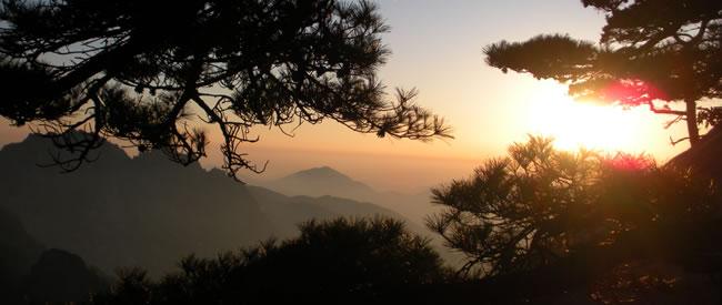 sunsets-on-huangshan01.jpg