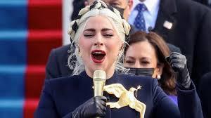 Photo of Lady Gaga Menyanyikan Lagu Kebangsaan Di Pelantikan Joe Biden Dan Kamala Harris