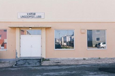 Fritidsklubben i Vardø har blitt lagt ned, etter at presten som drev den flytta. Vi møtte flere som mente det var synd. (Foto: Jørgen Klüver, NRK)