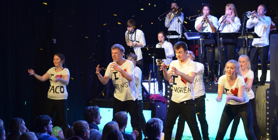 Manglerudrevyen 2013, «Det lille ekstra». (Foto: Helene Vågsvoll)