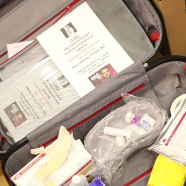 Det er mye som skal med når Sjekkpunk drar ut på hiv-jakt (Foto: Aksel Overskott, Helseutvalget)