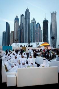 Det er både en god del sjeiker og penger involvert i hestesporten. Spesielt her i Dubai. (Foto: Matias Nordahl Carlsen, NRK)