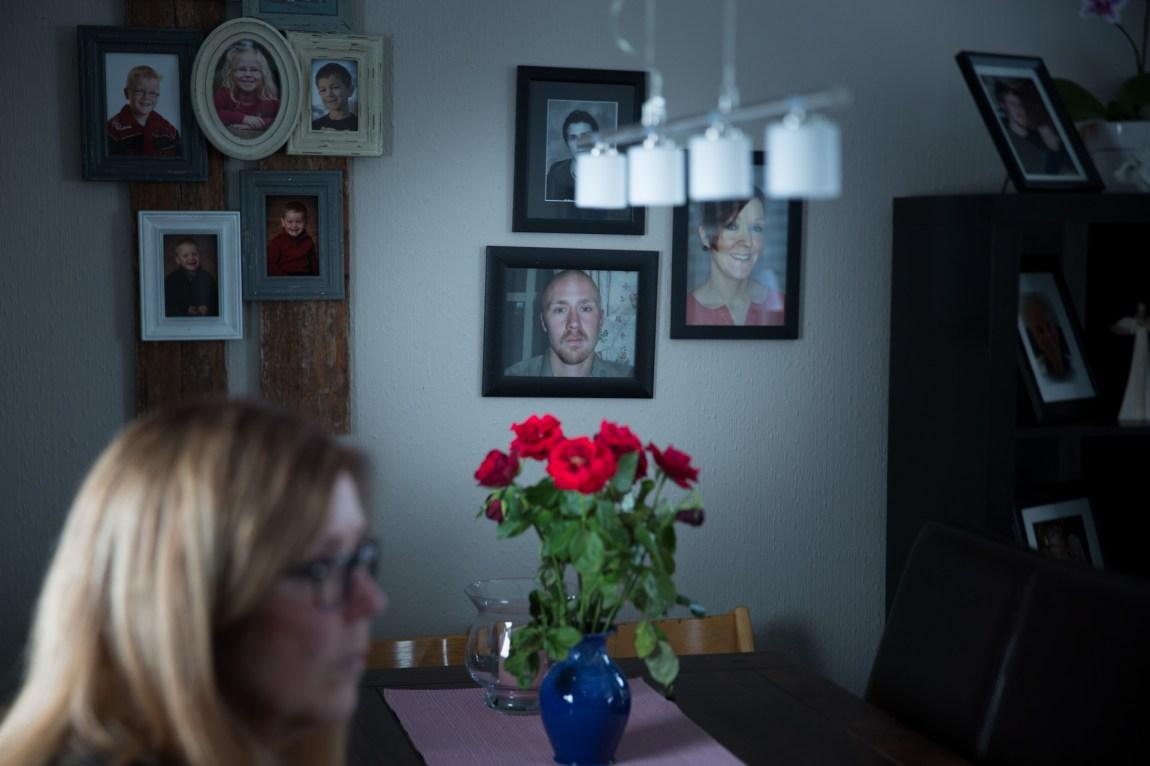 Tommy Hammerhaug var 26 år gammel da han begikk selvmord i 2008. Tommy etterlot seg et langt brev, forteller mamma Liv Hammerhaug. (Foto: Anne Dorte Lunås, NRK)