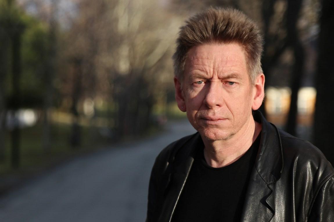 Arne Vaaler er overlege og professor i psykiatri ved NTNU, og jobber med psykiatriske pasienter på Østmarka psykiatriske avdeling ved St. Olavs hospital i Trondheim. (Foto: Frode Nikolaisen / St. Olavs Hospital)
