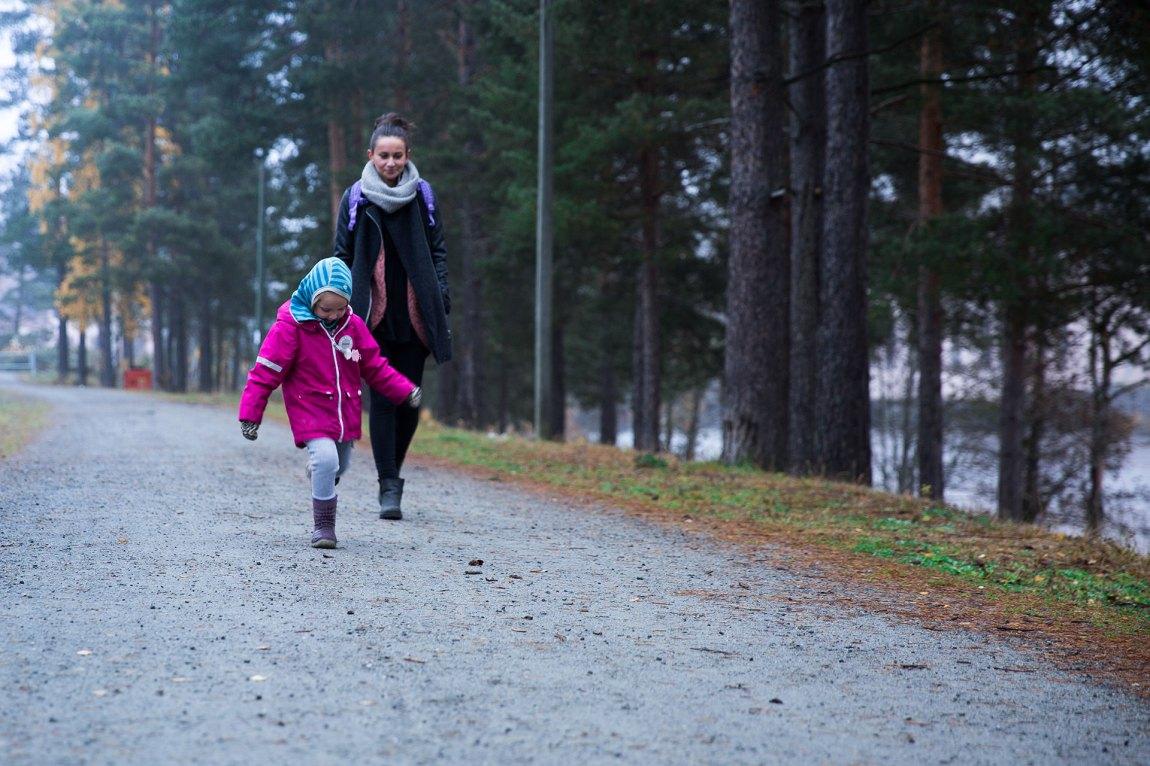 Amina har vært flink til å skjule hvordan hun egentlig har hatt det. Foto: Nora Brønseth, NRK P3