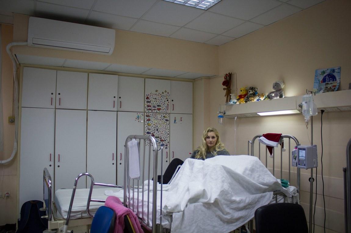 På dette rommet skal Thea bli buande på ubestemt tid - og i alle fall fram til mars. Foto: Siri Bråtveit