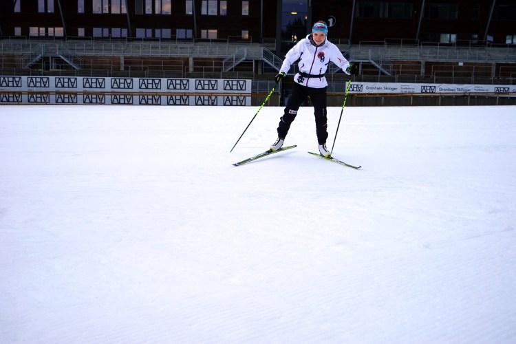 Magni mister en del av seg selv når hun ikke kan gå på ski. Da hun var syk forsøkte hun å erstatte skiene med en gitar, uten nevneverdig hell. Foto: Mona Sprenger