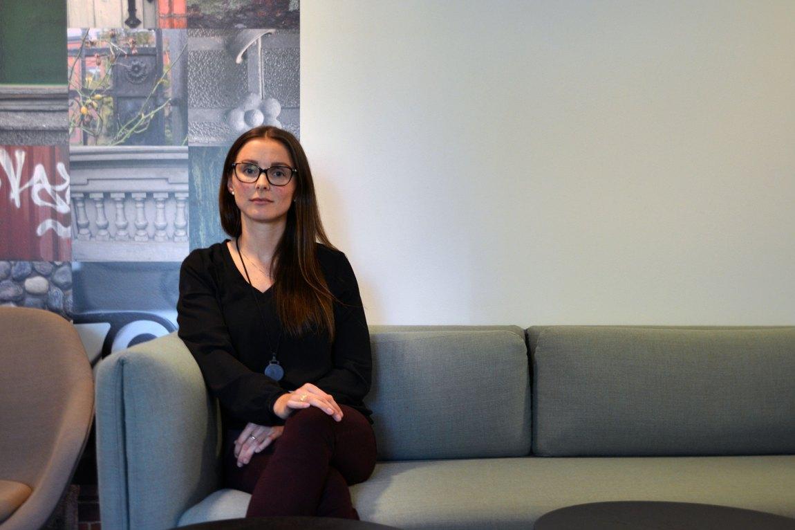 Synøve Andersen fra Statistisk sentralbyrå har forsket på tilbakefall. Hun mener tiltak som fotlenkesoning vil spare samfunnet for store kostnader. Foto: Ola Solheim
