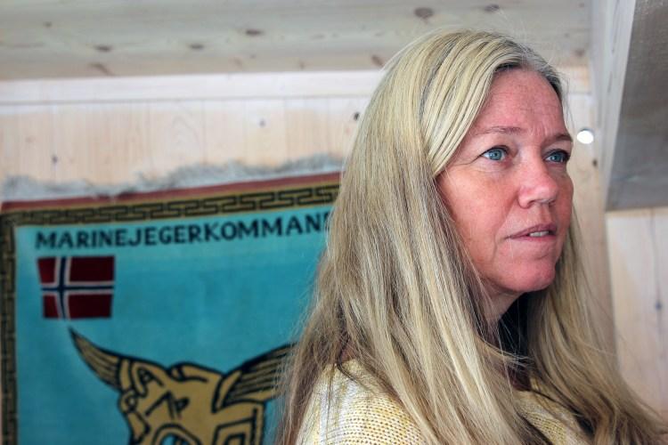 – Trond og jeg hadde en del kontakt når han var ute på oppdrag, men jeg var aldri redd, sier enken Bjørg Gjestvang. Foto: Nora Brønseth, NRK P3