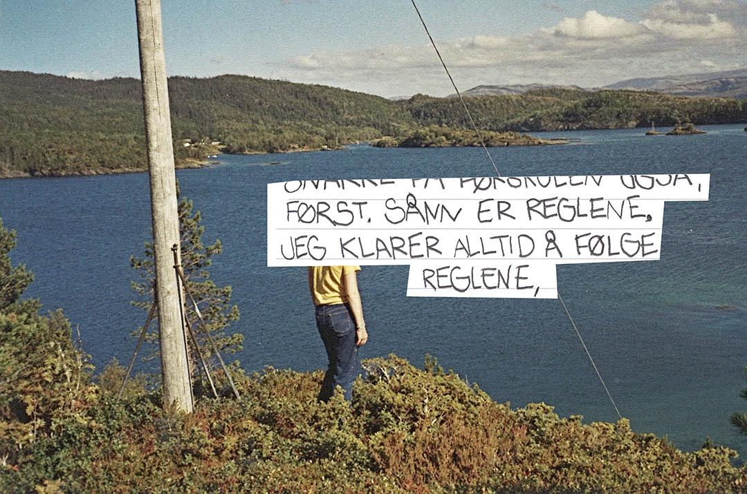 Bilde fra fotoalbum med teksten: Sånn er reglene. Jeg følger alltid å følge reglene.
