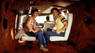 Mark Wahlberg og John C. Reilly i Boogie Nights (Foto: Norsk Filmdistribusjon).