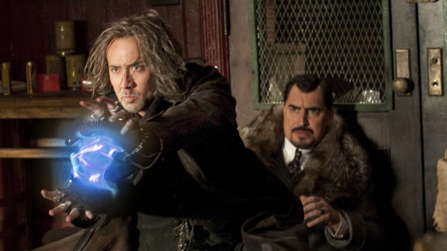 Nicolas Cage og Alfred Molina i Trollmannens læregutt. (Foto: Walt Disney Motion Pictures Norway)