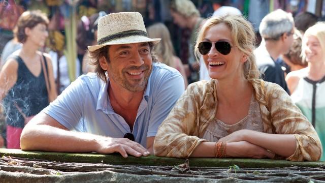 Javier Bardem og Julia Roberts i Spis elsk lev. (Foto: Walt Disney Studios Motion Pictures Norway)