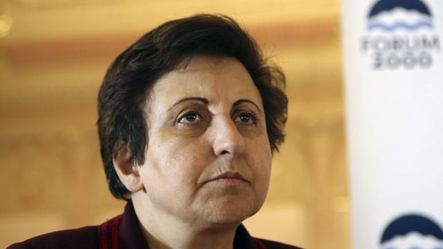 Shirin Ebadi var også på festen. Her fra en annen anledning. (Foto: AP Photo/Petr David Josek)