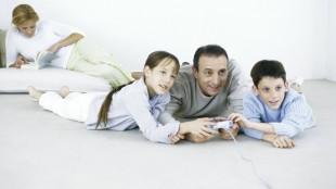 Spillfamilie. (Illustrasjonsfoto: Colourbox.com)