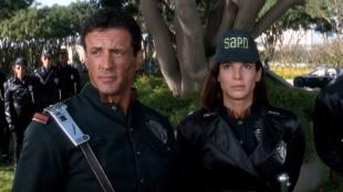 Sylvester Stallone og Sandra Bullock i Demolition Man. (Foto: Warner Bros. Home Entertainment)