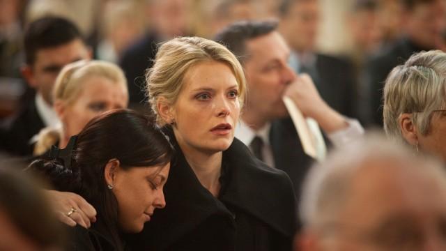 Frankies enke, Rachel, spilles av Andrea Lowe. (Foto: Frankie i aksjon i Irak. (Foto: AS Fidalgo)