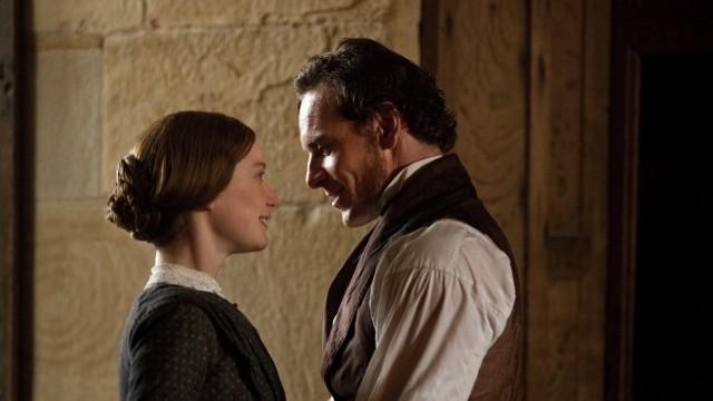 Mia Wasikowska og Michael Fassbender i Jane Eyre (Foto: Focus Features).