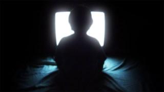 http://p3.no/filmpolitiet/wp-content/uploads/2011/06/Unge-foran-tv-en.jpg