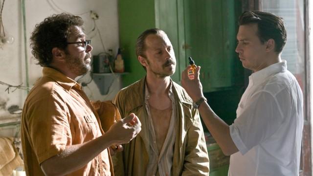 Michael Rispoli, Giovanni Ribisi og Johnny Depp i The Rum Diary (Foto: SF Norge AS).