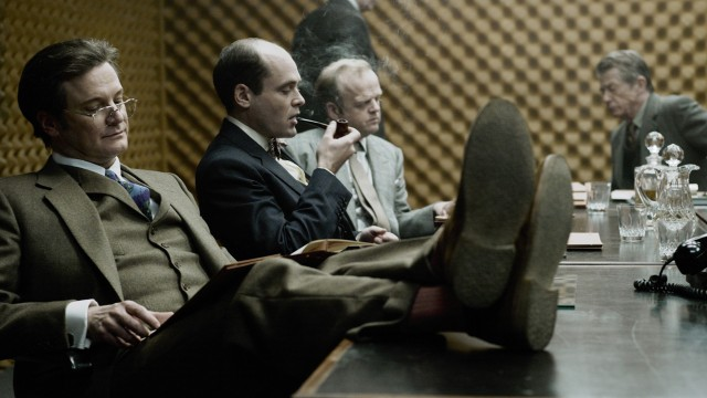 Colin Firth, David Dencik, Toby Jones og John Hurt i Muldvarpen (Foto: SF Norge).