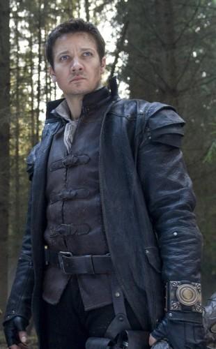 Jeremy Renner i et promobildet for 'Hansel and Gretel: Witch Hunters'. (Foto: United International Pictures)