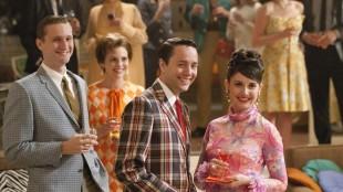 Aaron Stanton, Larisa Oleynik, Vincent Kartheiser og Alison Brie i Mad Men sesong 5 (Foto: AMC).