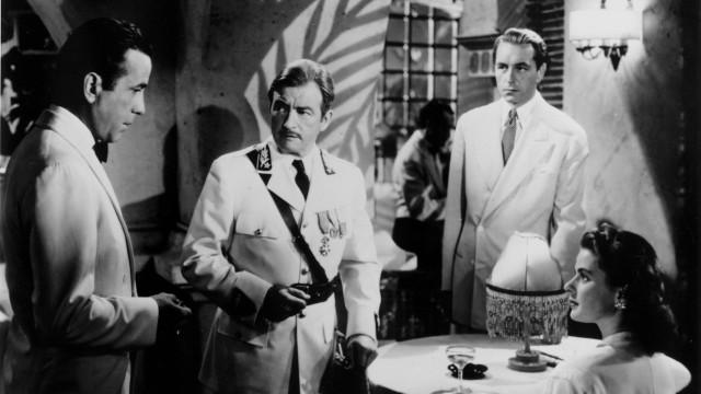 Humphrey Bogart, Claude Rains, Paul Henreid og Ingrid Bergman i Casablanca (Foto: Warner Bros. Entertainment).