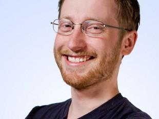 Rune Håkonsen - Filmpolitiet. (Foto: Erlend Laanke Solbu / NRK)