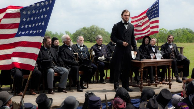 Dagjobben til Abe L i Abraham Lincoln Vampire Hunter (Foto: 20th Century Fox).