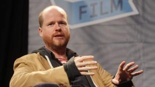 Joss Whedon skal tilbake til TV-ruta (Foto: AP Photo/Jack Plunkett).