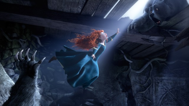 Merida kommer i kontakt med noe stort og farlig i Modig (Foto: The Walt Disney Company Nordic).