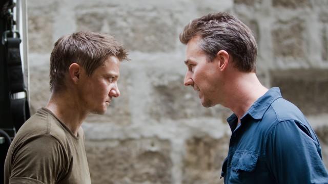 Jeremy Renner og Edward Norton i The Bourne Legacy (Foto: United International Pictures).