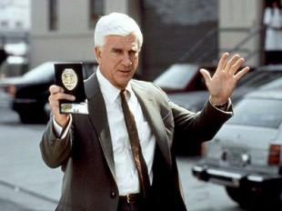 Leslie Nielsen i «Mannen med den nakne pistol»