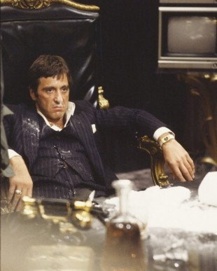 «Let it snow, let it snow, let it snow» – Al Pacino i «Scarface» (1983). (Foto: Universal Pictures)