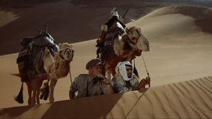 Sanddynespionering i Lawrence of Arabia (Foto: Sony Pictures Home Entertainment).