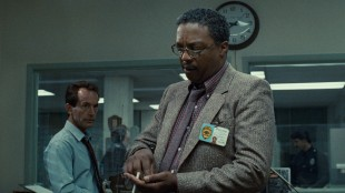 Lance Henriksen og Paul Winfield spiller politietterforskere i The Terminator (Foto: SF Norge AS).