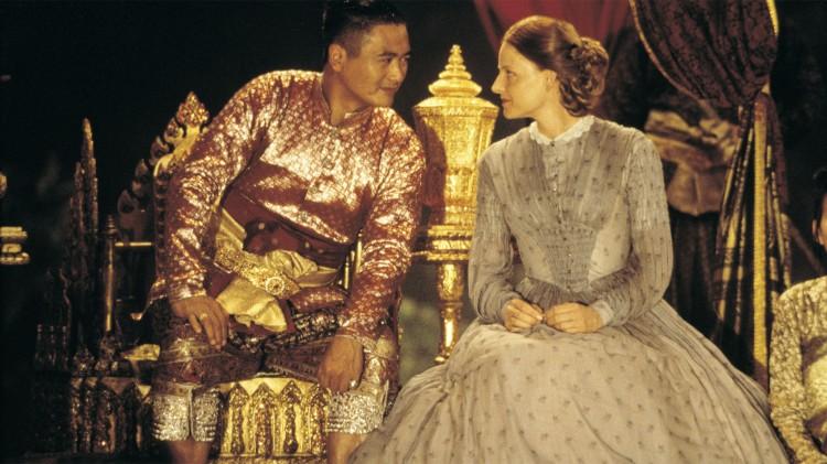Fortellingen om Anna Leonowens og kong Mongkut er forbudt i Thailand. Her er Chow Yun-Fat og Jodie Foster i Anna and the King. (Foto: Kommunenes Filmcentral).