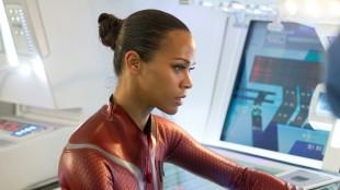 Zoe Saldana spiller Uhuru i Star Trek Into Darkness (Foto: United International Pictures).