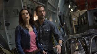 Filmen viser sin respekt til actionfilmklassikeren «Die Hard 2» med en heftig fly-som-tar-av-mens-det-eksploderer-scene. (Foto: United International Pictures)