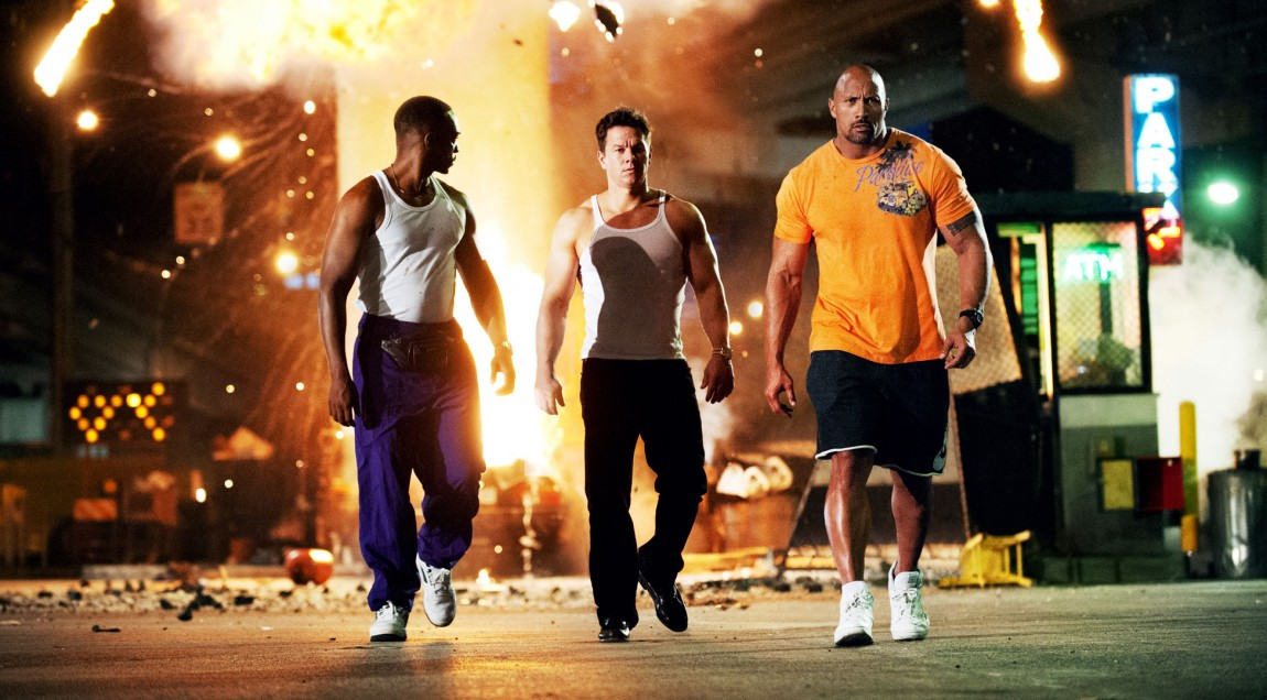 Anthony Mackie, Mark Wahlberg og Dwayne Johnson i Pain and Gain. (Foto: United International Pictures).