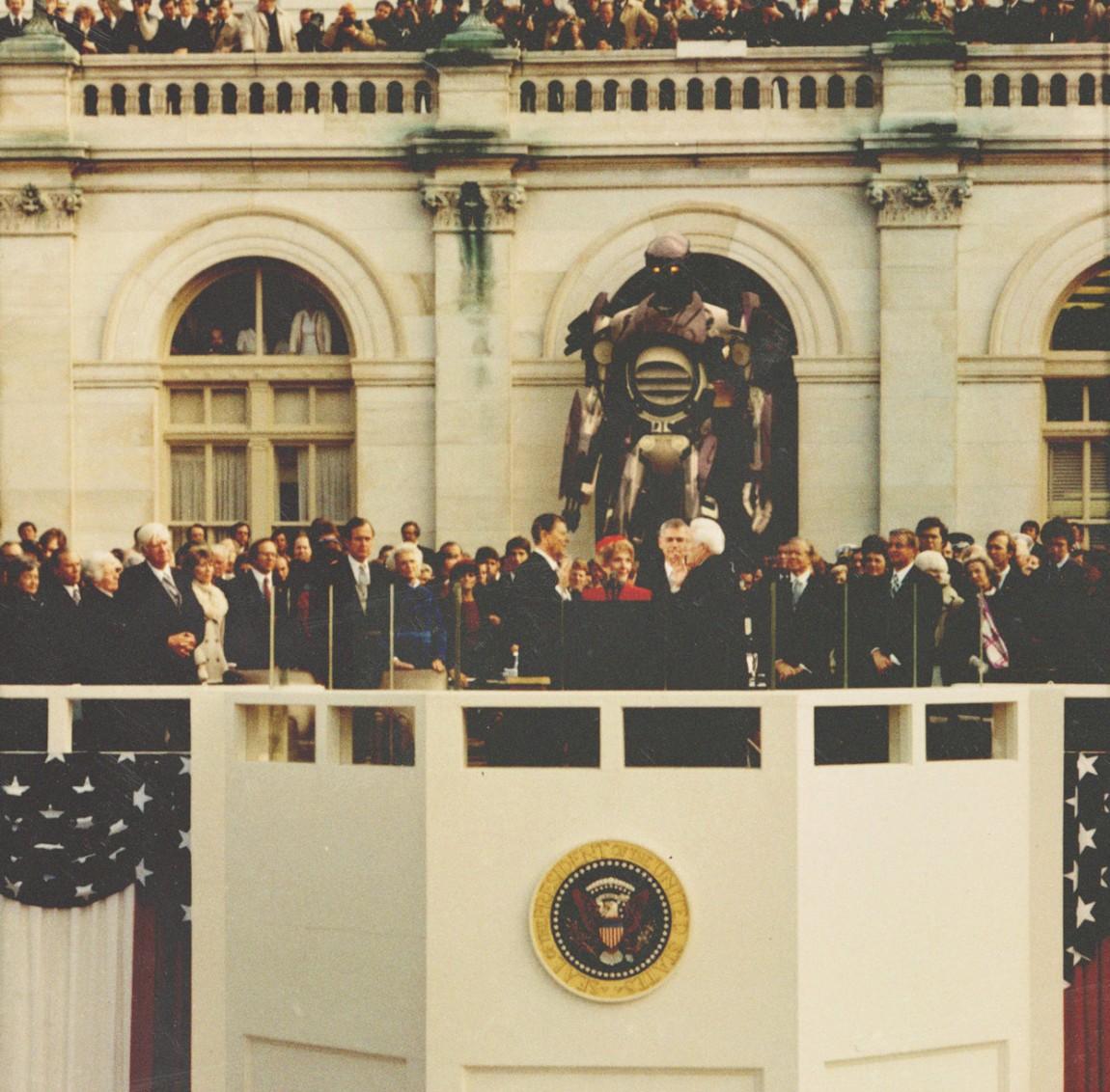 Sentinels passar blant anna på president Nixon. (Foto: 20th Century Fox)